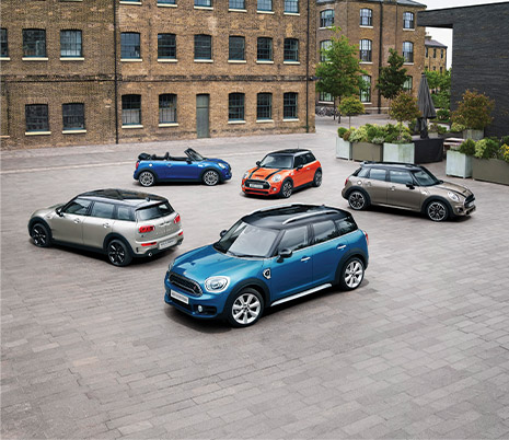 Multiple MINI vehicles